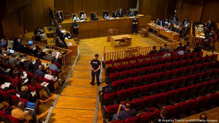 Sala do Tribunal Penal de Atenas