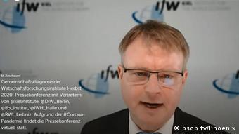 Профессор Штефан Котс во время виртуальной пресс-конференции