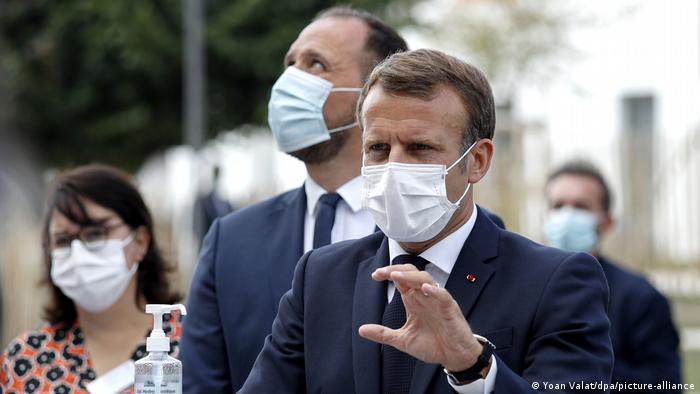 Emmanuel Macron mit Maske (Yoan Valat/dpa/picture-alliance)
