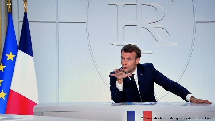 Präsident Macron im TV zur Corona-Krise (Alexandre Marchi/Maxppp/dpa/picture alliance)