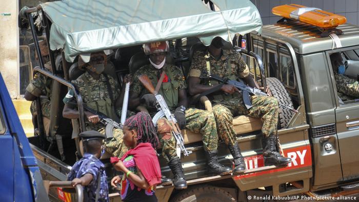 Uganda | Razzia Kampagnenzentrale Bobi Wine