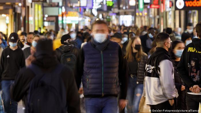 Maske obavezne i u pešačkim zonama