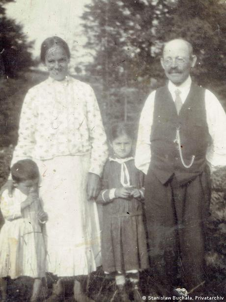 Stefania and Jan Buchala with two of their children