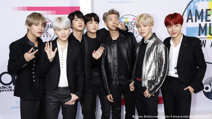 Crítica à música gravada pelo grupo BTS gera acusações de racismo na Alemanha
