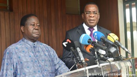 Henri Konan Bédié (à gauche) et Pascal Affi N'Guessan (à droite) appellent au boycott du processus électoral