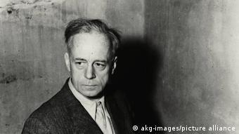 Иоахим фон Риббентроп в своей камере во время процесса. 1945 год
