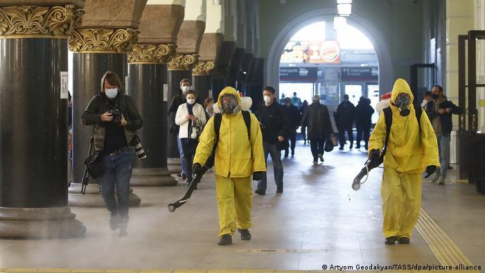Moskova'da korona önlemleri artırılıyor