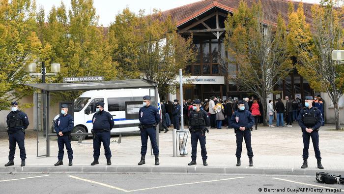 Frankreich Nach mutmaßlichem Terrorakt auf Lehrer bei Paris (Bertrand Guay/AFP/Getty Images)