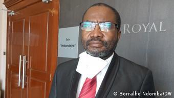 Angola Luanda | Konferenz zu Covid-19 & Thema Elisa Pedro Gaspar |Arzt Pedro Rosa (Borralho Ndomba/DW)