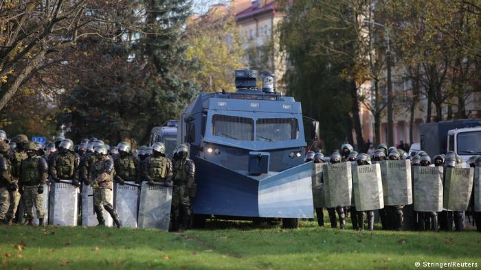 Belarus Erneute Sonntagsproteste in Minsk (Stringer/Reuters)