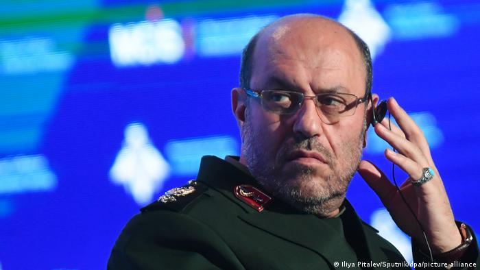 حسین دهقان، مشاور نظامی علی خامنهای