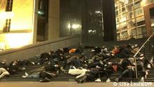 Frankreich Paris | Coronakrise: Schauspieler und Künstler demonstrieren gegen die nächtliche Ausgangssperre (Lisa Louis/DW)