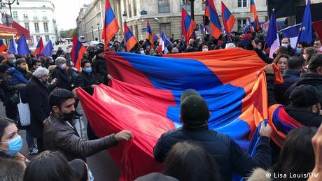 Γαλλία: Κραυγή αγωνίας των Αρμενίων για το Καραμπάχ