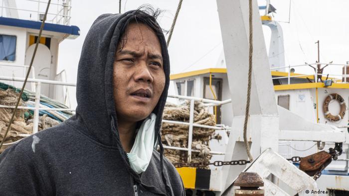 Tarno i njegova dva zemljaka su jedini Indonežani koji su zaposleni na italijanskom ribarskom brodu
