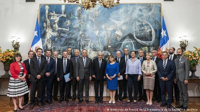 Chiles Präsident Piñera trifft sich im März 2020 mit 17 EU-Botschaftern im Regierungspalast La Moneda (Sophia Boddenberg )