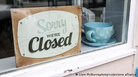 Coronavirus Shop in Ballycastle (Liam McBurney/empics/picture alliance)