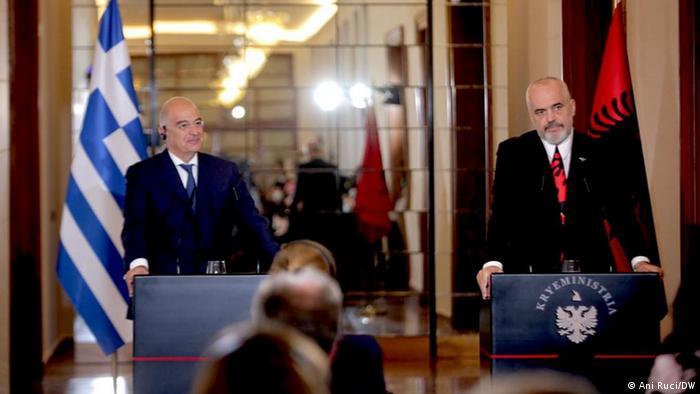 Greek foreign minister visits Tirana, Albania