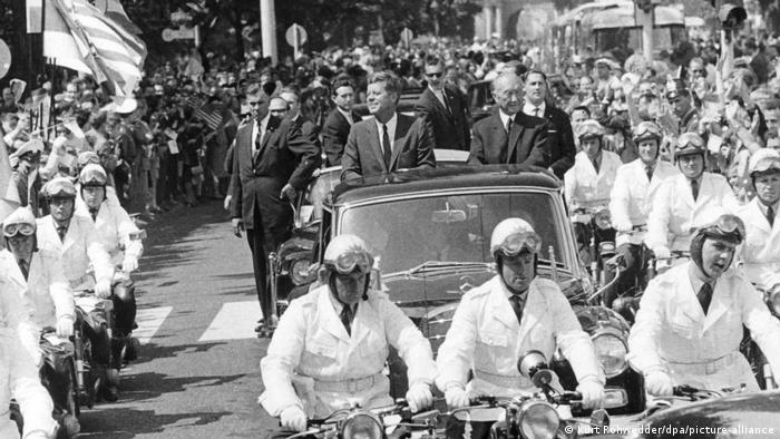 Deutschland Bonn John F. Kennedy und Konrad Adenauer 1963