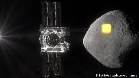 OSIRIS REx-Sonde und Asteroid Bennu