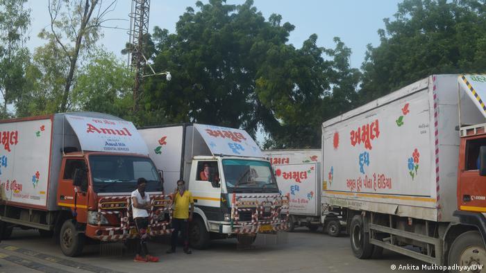 Amil milk truckers