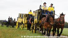 BdT Deutschland Herbstausfahrt mit historischen Kutschen (Waltraud Grubitzsch/dpa//picture-alliance)