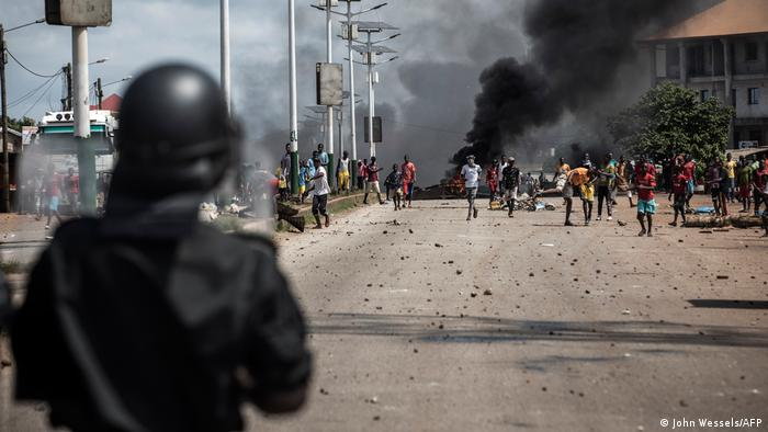 Opposition supporters clash with police in Conakry