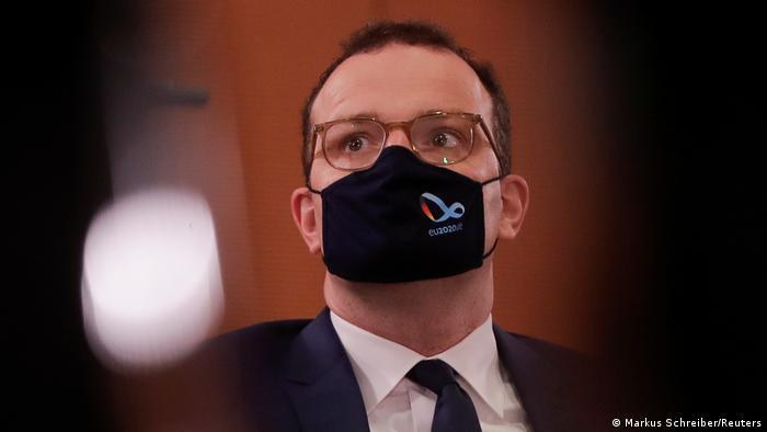 Jens Spahn | Gesundheitsminister Deutschland Mundschutz (Markus Schreiber/Reuters)