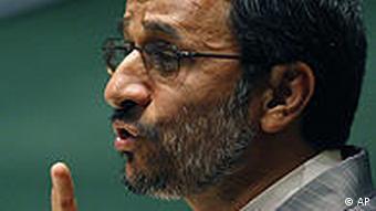 احمدینژاد: قطعنامه شورای امنیت پشیزی ارزش ندارد