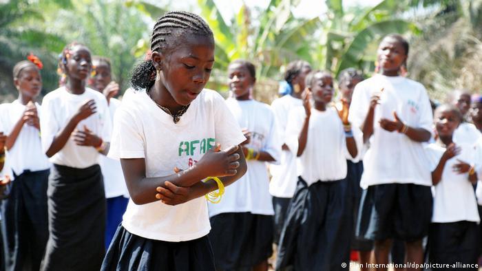 Sierra Leone | Kampf gegen Genitalverstümmelung | Amazonian Initiative Movement