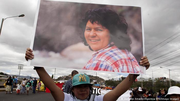 In der engeren Wahl waren auch die 2016 ermordete Berta Cáceres und weitere Umweltaktivisten in Honduras. (Foto: Gustavo Amador/Agencia EFE/Imago Images)