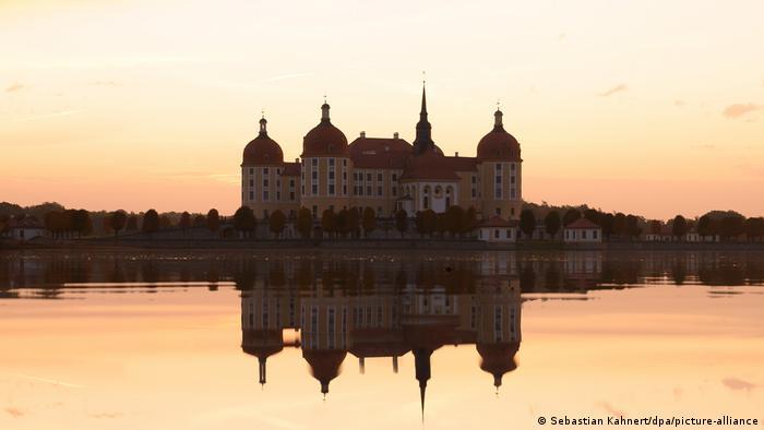 Морицбург - один из самых известных немецких замков на воде