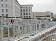 Muro de Berlim e passado nazista marcam local do centro