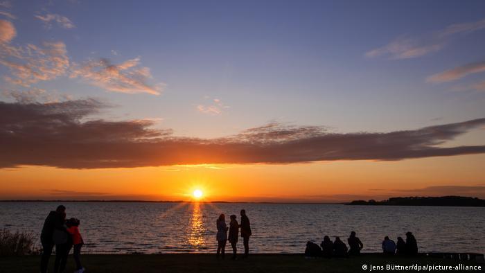 BdT | Sonnenuntergang auf der Insel Usedom (Jens Büttner/dpa/picture-alliance)