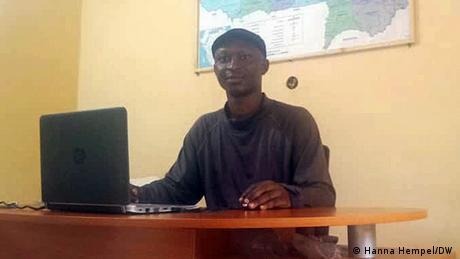 Cyrille Guel I EducommunicAfrik I Burkina Faso (Hanna Hempel/DW )
