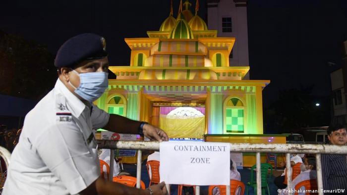 Indien Ein Fest zu Ehren der Göttin Durga in West Bengalen