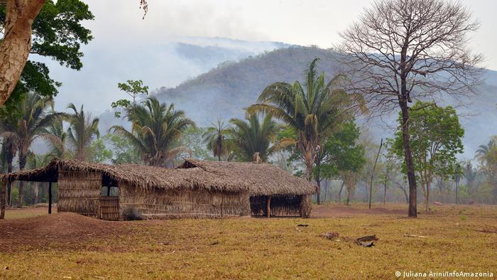 Casa tradicional de morroquiano no Baixio, coberta com palha de babaçu