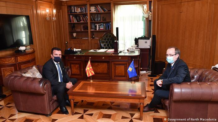 Nord-Mazedonien Treffen des mazedonischen Premierministers Zoran Zaev mit seinem kosovarischen Kollegen Abdulah Hoti in Skopje