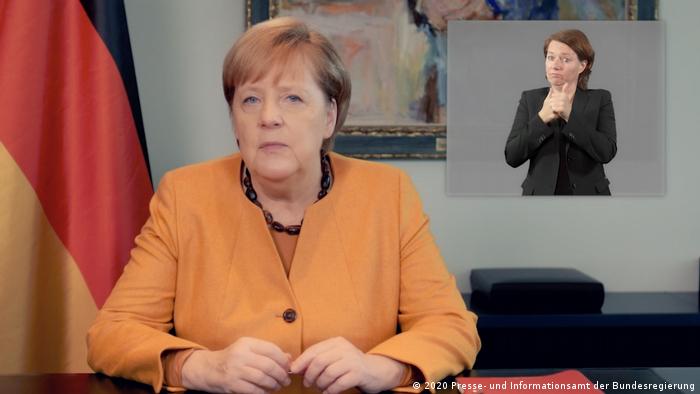 Angela Merkel, durante un mensaje en video. (Archivo).