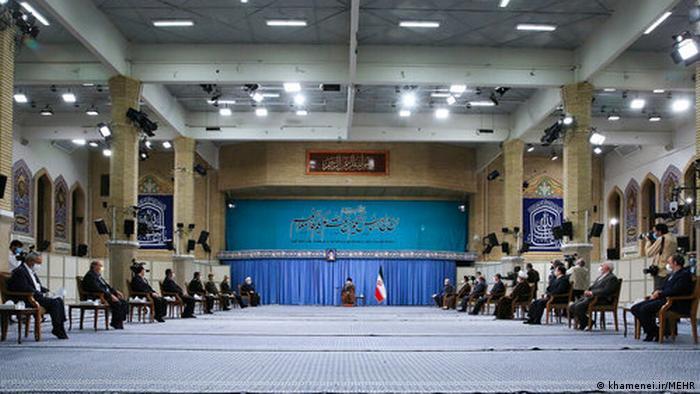 Iran | Ali Khamener tifft Mitgliedern des Nationalen Anti-Corona-Stab