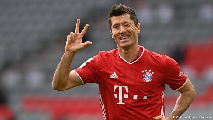 Bundesliga FC Bayern München gegen Eintracht Frankfurt   Tor Lewandowski