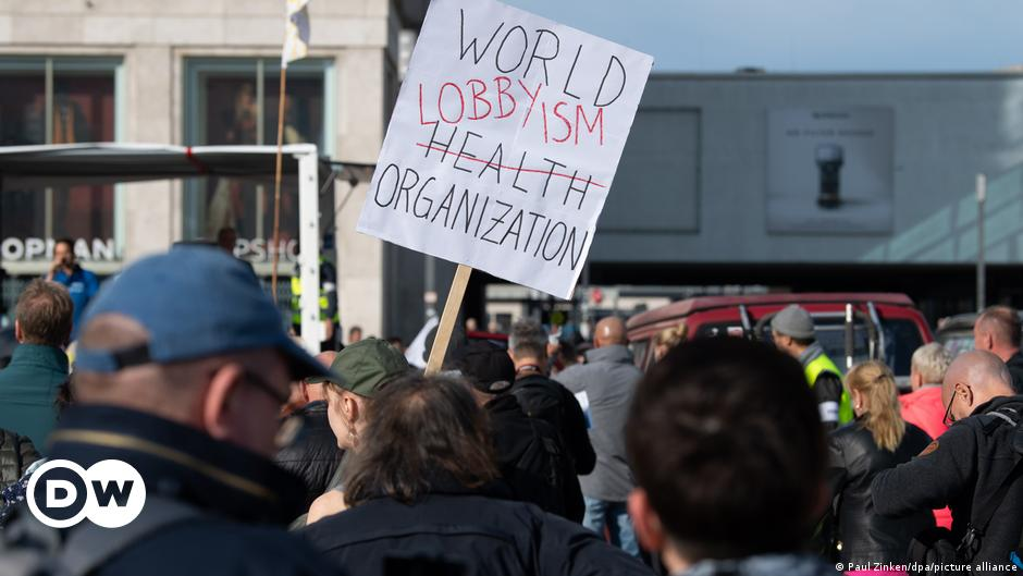 Germany: Thousands protest against COVID-19 rules in Berlin