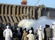 Construção da hidrelétrica Merowe, no norte do Sudão, foi polêmica