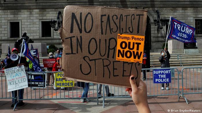 USA Boston | Friedlicher Protest | Demokraten (Brian Snyder/Reuters)