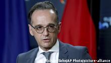 German foreign minister Heiko Maas at a press conference (Michael Sohn/AP Photo/picture-alliance)