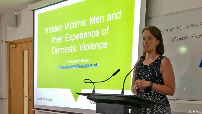 اليزابيت بيتس من جامعة كومبريا ببريطانيا تبحث في الأسباب الاجتماعية وراء العنف ضد الرجال
