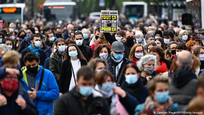 Frankreich Rennes |Protest nach Mord an Lehrer in Conflans-Sainte-Honorine