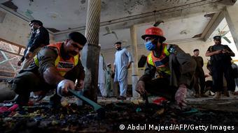 Pakistan Anschlag auf eine Religionsschule in Peschawar