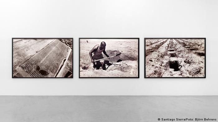 This photo triptych shows a man digging large holes from three different perspectives (Santiago Sierra/Foto: Björn Behrens)