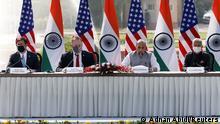 Esper und Pompeo in Indien