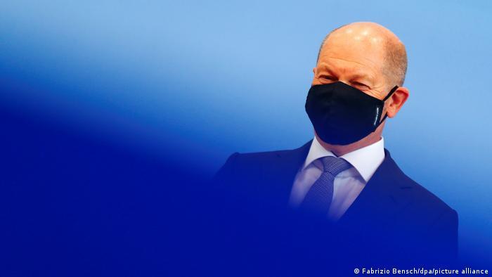 Olaf Scholz Pressekonferenz mit Maske